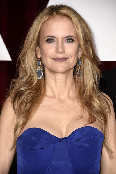 Kelly Preston Hair