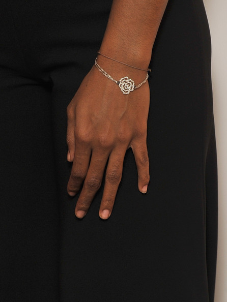 Kelly Rowland Link Bracelet [jewellery,finger,fashion accessory,hand,bracelet,ring,body jewelry,bangle,chain,nail,arrivals,chief executive,chairman,kelly rowland,bill roedy,achievements,westbury hotel,mtv staying alive foundation dinner,farewell event,mtv staying alive fundraising]