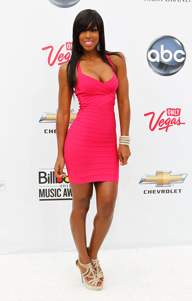 Kelly Rowland Is Pretty in Pink Herve Leger at the Billboard Awards ...