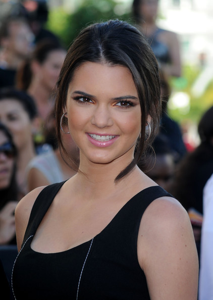 Kendall Jenner Loose Bun [the twilight saga: eclipse,hair,eyebrow,beauty,hairstyle,human hair color,chin,smile,girl,blond,fashion model,arrivals,kendall jenner,nokia theatre l.a. live,los angeles,california,summit entertainment,premiere,premiere,los angeles film festival]