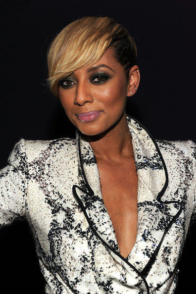 Keri Hilson Short Straight Cut [hair,face,hairstyle,eyebrow,blond,beauty,lip,shoulder,chin,fashion model,takers,keri hilson,california,hollywood,boulevard 3,screen gems,premiere,party,party]