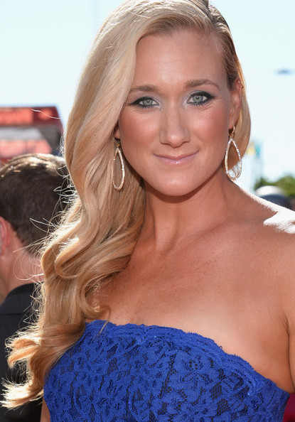 Kerri Walsh Jennings Side Sweep [red carpet,hair,face,blond,hairstyle,long hair,eyebrow,beauty,lip,brown hair,shoulder,kerri walsh jennings,2013 espy awards,california,los angeles,nokia theatre l.a. live]