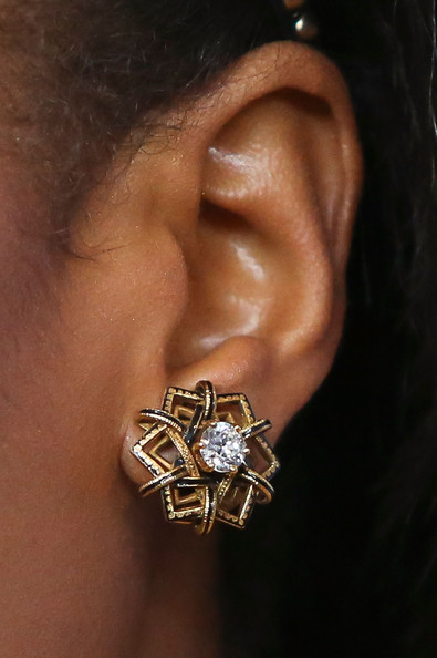 Kerry Washington Gold Studs