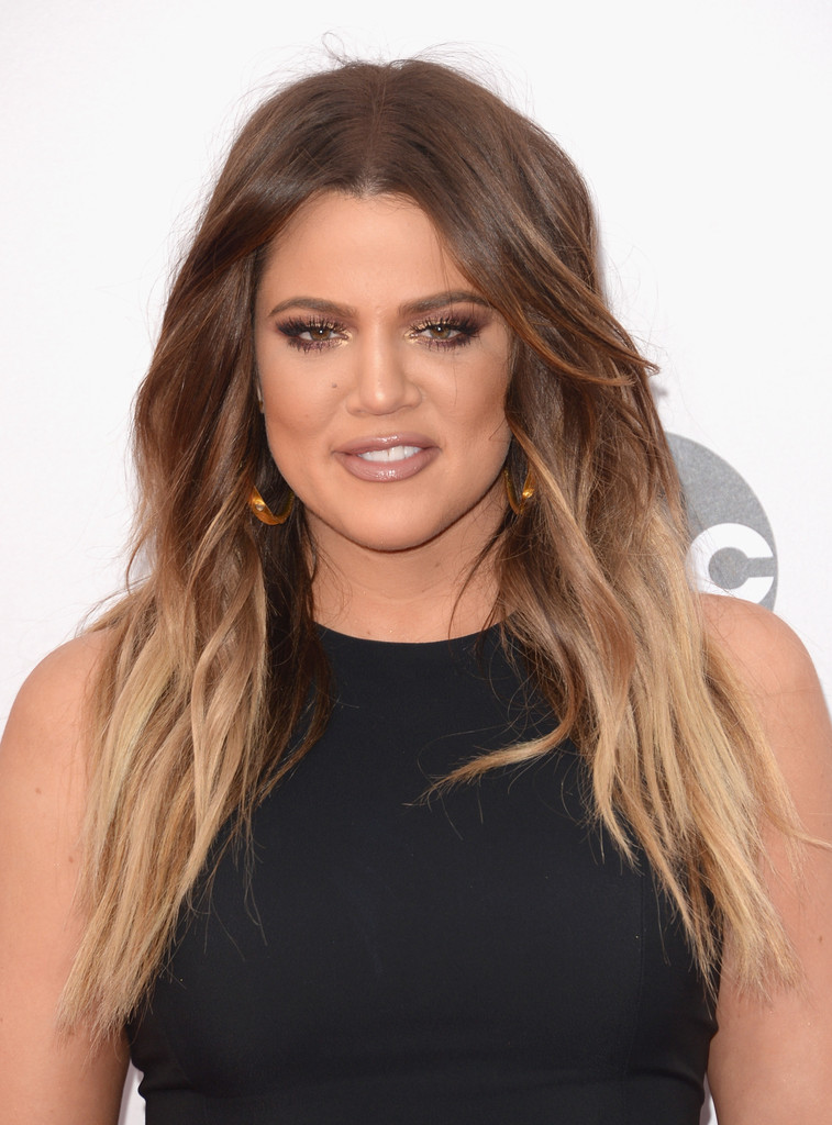 khloe kardashian looks stylebistro. Black Bedroom Furniture Sets. Home Design Ideas