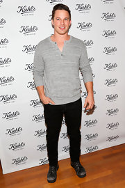 Matt Lanter chose a classic gray henley to keep his look cool and relaxed.