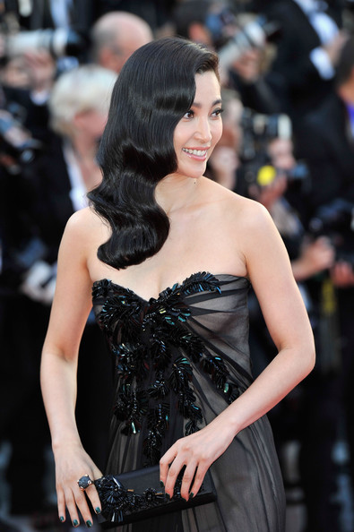 More Pics of Li Bingbing Long Wavy Cut (4 of 23) - Li Bingbing Lookbook - StyleBistro