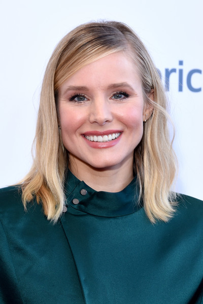 Kristen Bell Medium Wavy Cut [hair,face,blond,hairstyle,eyebrow,chin,beauty,smile,long hair,lip,beverly hills,california,the beverly hilton hotel,national womens history museums 7th annual women making history awards,kristen bell]