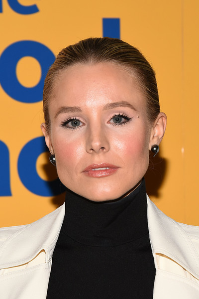 Kristen Bell Classic Bun [the good place,hair,face,hairstyle,eyebrow,forehead,head,chin,cheek,lip,buzz cut,arrivals,kristen bell,fyc @ ucb,california,los angeles,ucb sunset theater,universal television,fyc]