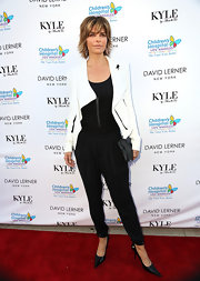 Lisa Rinna's black harem pants were a classic but still fun choice on the red carpet.