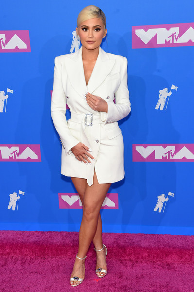 Kylie Jenner Evening Sandals [blue,flooring,carpet,fashion model,electric blue,red carpet,leg,fashion,outerwear,thigh,arrivals,kylie jenner,mtv video music awards,red carpet,carpet,flooring,red carpet,fashion,radio city music hall,new york city,kylie jenner,2018 mtv video music awards,mtv video music award,radio city music hall,celebrity,music,mtv,mtv video music award for video of the year,red carpet]