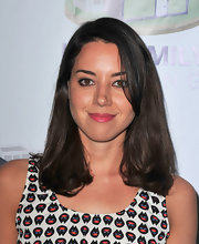 Delicate waves at the ends added subtle volume to Aubrey Plaza's hair during the LA Family Housing Awards.