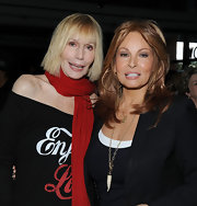 Raquel Welch wore a pair of gold hoop earrings to an event hosted by L'Oreal.