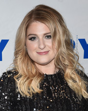 Meghan Trainor looked oh-so-pretty with her loose waves at the L.A. Reid conversation with Gayle King.