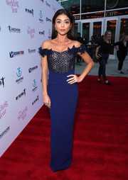 Sarah Hyland was svelte and elegant in a navy off-the-shoulder column dress by  Pamella Roland at the LA premiere of 'The Wedding Year.'