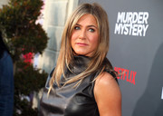 Jennifer Aniston was stylishly coiffed, as always, with her famous layered cut at the LA premiere of 'Murder Mystery.'