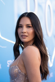 Olivia Munn wore her long hair down with barely-there waves at the LA premiere of 'The Rook.'