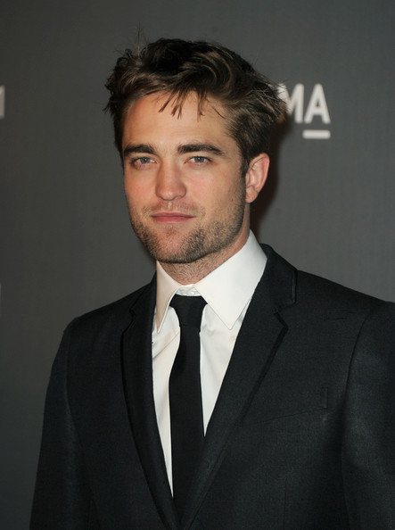 More Pics of Robert Pattinson Messy Cut (1 of 16) - Robert Pattinson Lookbook - StyleBistro