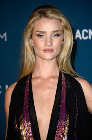 Rosie Huntington-Whiteley kept it simple with this loose side-parted 'do at the LACMA Art + Film Gala.