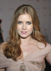 Amy Adams wore her hair in soft, subtle waves at the LACMA Art and Film Gala.