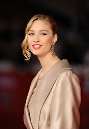 Beatrice Borromeo's face framing side swept curls gave her updo a soft, romantic feel.