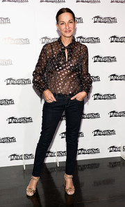 Cynthia Rowley teamed her cute blouse with a pair of skinny jeans.