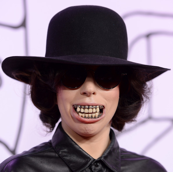 Lady Gaga Bowler Hat [hat,clothing,smile,chin,lip,costume accessory,headgear,fashion accessory,fedora,mouth,youtube music awards,new york city,lady gaga]