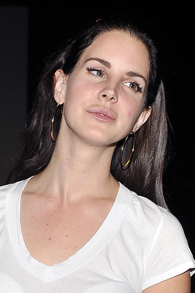 More Pics of Lana Del Rey Gold Hoops (1 of 31) - Lana Del Rey Lookbook - StyleBistro
