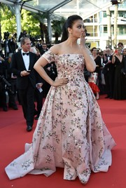 Aishwarya Rai looked absolutely enchanting in a floral-beaded pink off-the-shoulder ball gown by Rami Kadi Couture at the Cannes premiere of 'From the Land of the Moon.'