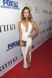 Zulay Henao showed off her curves in a white Grecian gown.