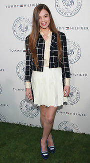 Hailee Steinfeld wore a cropped plaid jacket from the Spring 2011 collection to the Tommy Hilfiger launch party.
