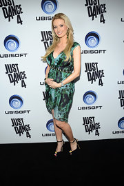 Holly Madison toned down the busy print on her dress with these black peep-toe pumps.