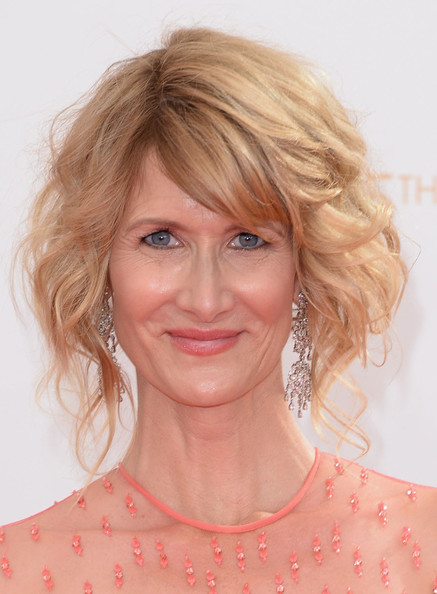 Laura Dern Curled Out Bob