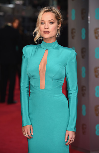 Laura Whitmore Pearl Ring [clothing,fashion,turquoise,fashion model,electric blue,hairstyle,dress,suit,carpet,red carpet,red carpet arrivals,laura whitmore,ee,england,london,royal opera house,british academy film awards]