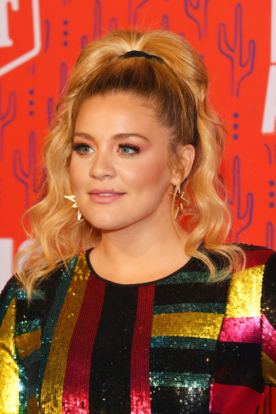 Lauren Alaina Ponytail [hair,hairstyle,face,blond,beauty,chin,lip,premiere,long hair,hair coloring,arrivals,lauren alaina,cmt music awards,bridgestone arena,nashville,tennessee]