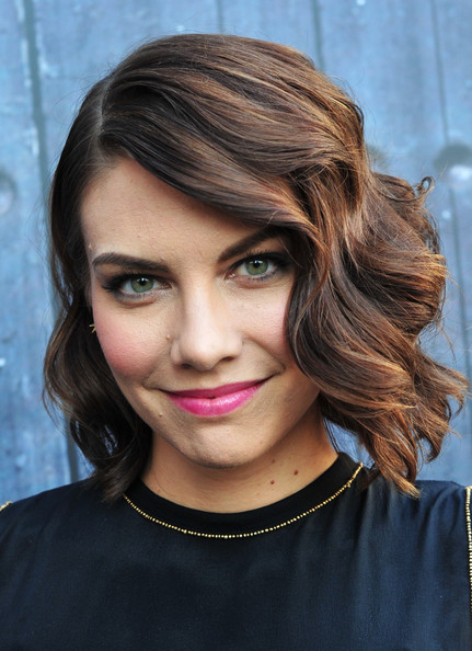 Lauren Cohan Short Wavy Cut [guys choice 2014,red carpet,hair,face,hairstyle,eyebrow,lip,chin,beauty,blond,head,hair coloring,lauren cohan,culver city,california,spike tv,sony pictures studios]