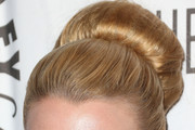 Laurie Holden Classic Bun