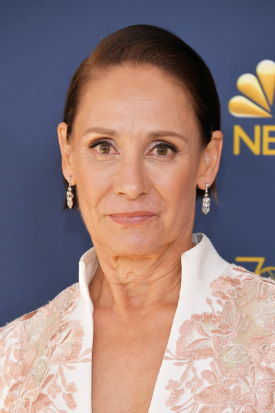 Laurie Metcalf Short Side Part [skin,eyebrow,beauty,chin,hairstyle,cheek,forehead,smile,long hair,neck,arrivals,laurie metcalf,emmy awards,70th emmy awards,microsoft theater,los angeles,california]