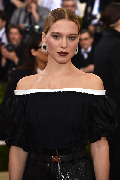 Lea Seydoux Leather Belt [manus x machina: fashion in an age of technology costume institute gala - arrivals,manus x machina: fashion in an age of technology costume institute gala,fashion model,hair,shoulder,fashion,clothing,dress,hairstyle,beauty,joint,lip,lea seydoux,new york city,metropolitan museum of art]