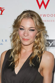 LeAnn looked ready to hit the beach with tousled curls at the Pre-Oscar party.