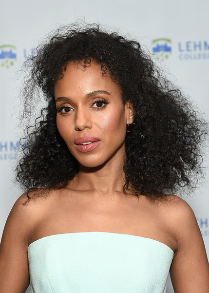 Kerry Washington attended the Lehman College 50th anniversary celebration wearing her hair in a shock of curls.