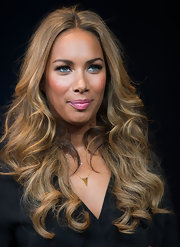 Leona Lewis may have stunned on stage, but she definitely stunned off stage too with these gorgeous honey waves.