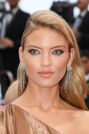 Martha Hunt sported a loose side-parted 'do at the 2019 Cannes Film Festival screening of 'Les Plus Belles Années d'une vie.'