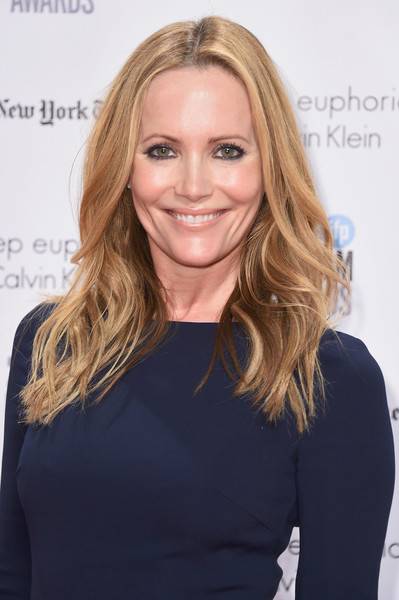 Leslie Mann Feathered Flip