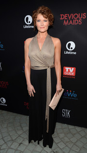 Rebecca Wisocky chose a two-tone halterneck jumpsuit for the premiere of 'Devious Maids' season 4.