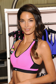 Lily Aldridge looked oh-so-cute wearing this loose ponytail during the launch of Victoria's Secret's new sports bra.