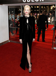 Nicole Kidman kept it super elegant all the way down to her bedazzled black Armani Privé pumps.