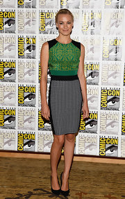 Yvonne's mixed print dress showed off a fun mix of brocade and weave prints at Comic-Con 2013.