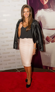 For her shoes, Michelle Keegan chose a pair of basic black platform pumps.