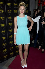 Wallis Day chose a pretty robin's egg blue frock that featured a cool fish scale bodice.