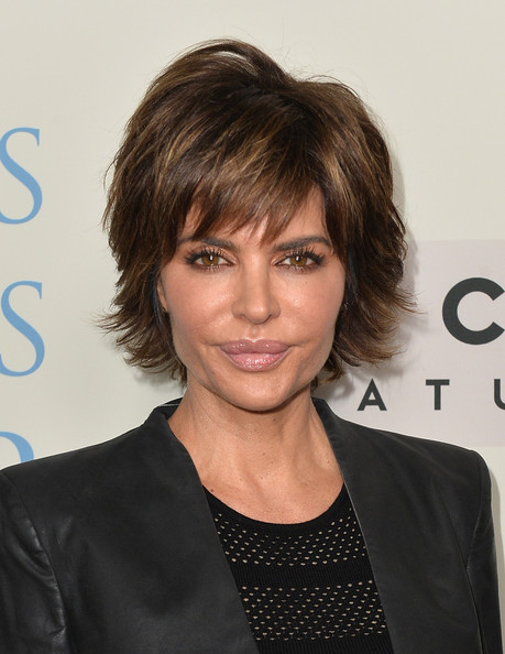 Lisa Rinna Layered Razor Cut [dallas buyers club,hair,face,hairstyle,eyebrow,layered hair,chin,forehead,bangs,brown hair,long hair,arrivals,lisa rinna,beverly hills,california,focus features,academy of motion picture arts and sciences,premiere,premiere]